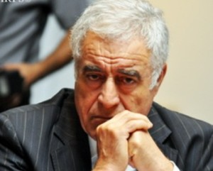 Sabiq respublika prokuroru Konstitusiya dəyişikliklərindəki qüsurları açdı