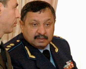 Generalın xanımı Eldar Mahmudovu niyə məhkəməyə vermək istəyib?