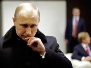 Putinin ölkə daxilində nüfuzu düşür