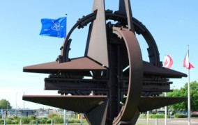 İsveç parlamenti NATO-nun ölkəyə girişinə icazə verdi