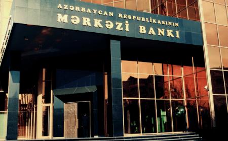 Mərkəzi Bankın valyuta ehtiyatları bir ildə 42,7% azalıb