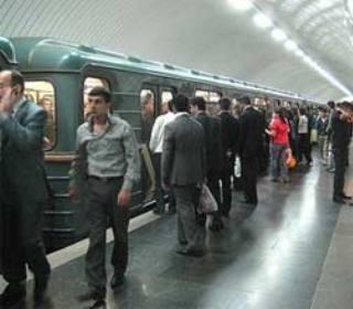 Bakı metrosundan istifadə edənlərin sayı 3% azalıb