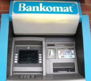 Bankomatların sayı azalıb