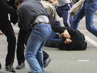 Lənkəranda Mərkəzi bazarda kütləvi dava olub, 2 nəfər bıçaqlanıb