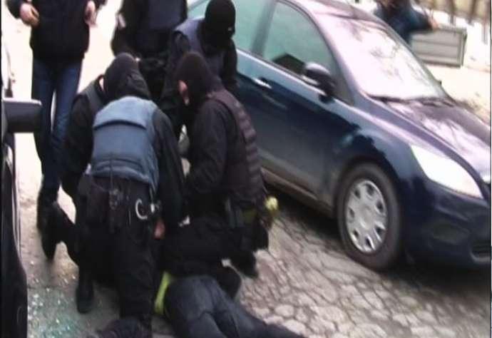 """""""Bandotdel""""dən xüsusi əməliyyat – Vəzifəli şəxslərdən narkotik götürüldü"""