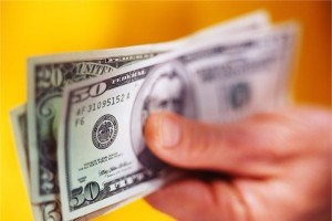 Dollar yenidən bahalaşdı -