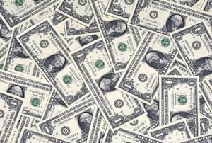 """Mərkəzi Bank və Neft Fondu 2,5 ayda 2,1 milyard dollar """"əridib"""""""