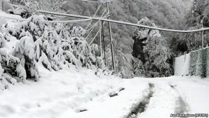 Qubada güclü qar: Rayonun 8 kəndi ilə nəqliyyat əlaqəsi kəsildi