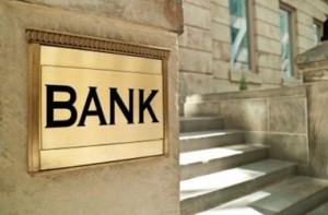 Banklar dollar satışında limiti daha da azaltdılar