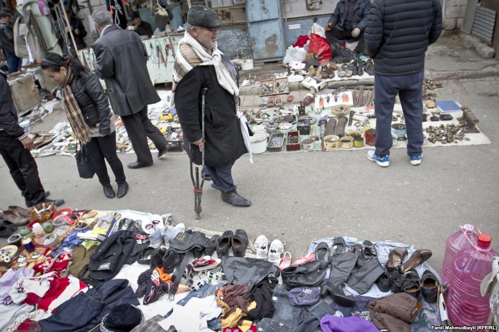Bakının ən ucuz bazarı: burada əksər mallar 2-3 manata satılır