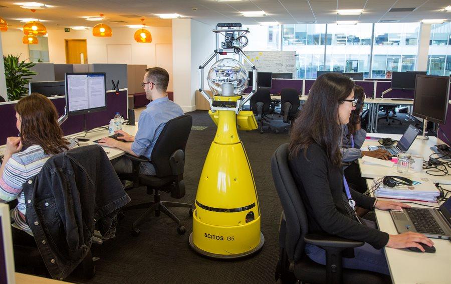 Britaniya şirkəti robot-meneceri işə götürüb