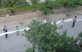 Türk inşaatçı azərbaycanlı xanımına 35 metrlik şeir yazdı