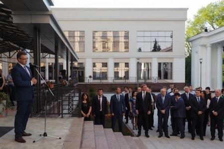 Azərbaycanlı deputat Yesentukidə 35 milyona sanatoriya açdı