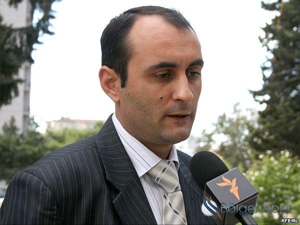 """Jurnalistin üzünə duran """"bandotdel"""" rəisinin dostu imiş"""