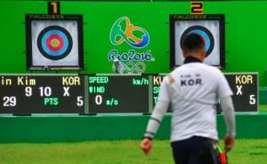 Olimpiadada ilk dünya rekordu müəyyən edildi