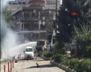 Türkiyədə terrorçu özünü partlatdı: 3 şəhid, 8 yaralı