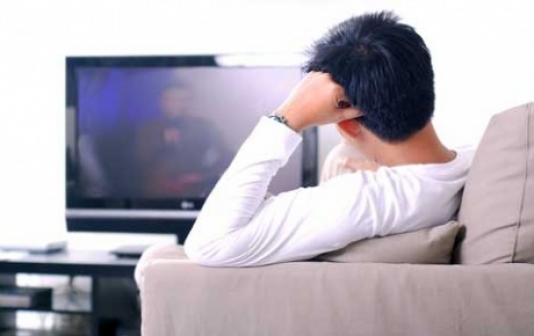 Qəzada ölən arvadını iki il sonra televiziyada görüb şok oldu