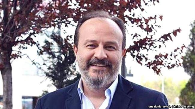 """""""Sonucda ailə soyadı ilə davam edən bir idarəçilik modeli yaradılır"""""""