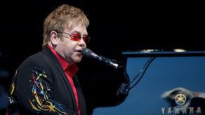 Elton Con xəstəxanaya yerləşdirilib