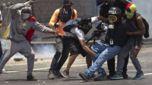 Venesuelada xalq etirazları səngimir
