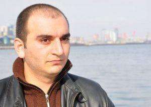 """Jurnalistin anası: """"Müstəntiq dedi ki, o biri oğlunu, gəlinini də tutarıq"""""""