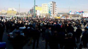 """İranda """"Diktatora ölüm"""" şüarları ilə kütləvi etirazlar (Video)"""
