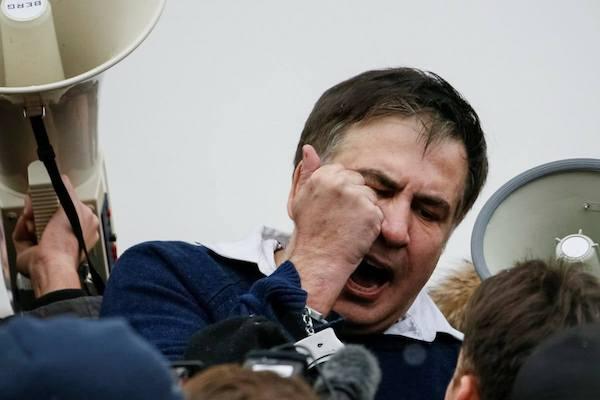 Prokurorluq Saakaşviliyə ev dustaqlığı tələb edir