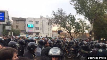 İranda azərbaycanlı fəala üç il həbs cəzası kəsilib
